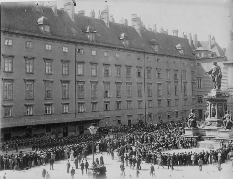 Wachablöse in der Wiener Hofburg