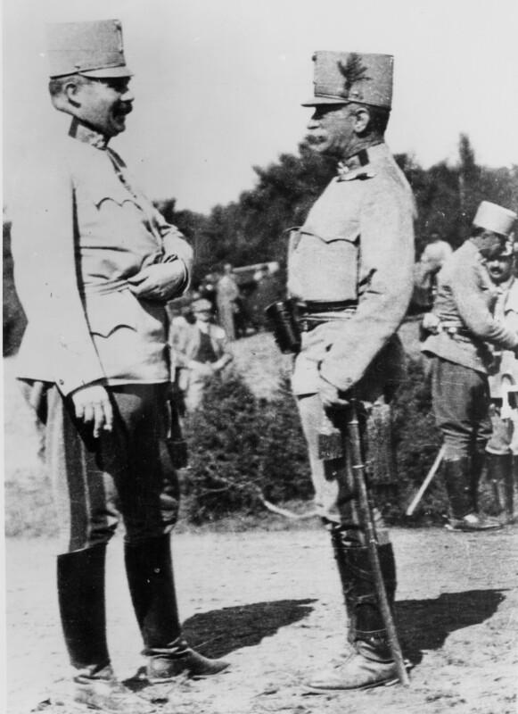Erzherzog Franz Ferdinand und Conrad von Hötzendorf beim Manöver am Duklapaß