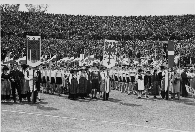 Erste Mai Feier im Wiener Stadion 1935