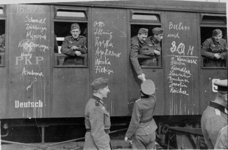 Abfahrt einer PK-Einheit aus Dresden