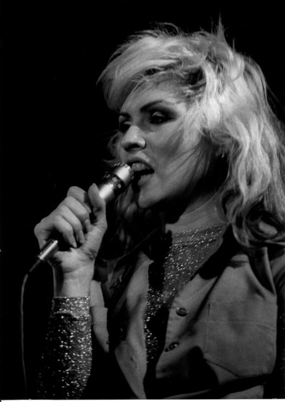 """""""Blondie"""" bei einem Auftritt in Wien"""