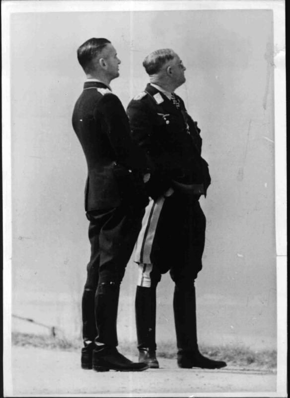 Der General der Flieger Jeschonnek und General Ritter von Greim