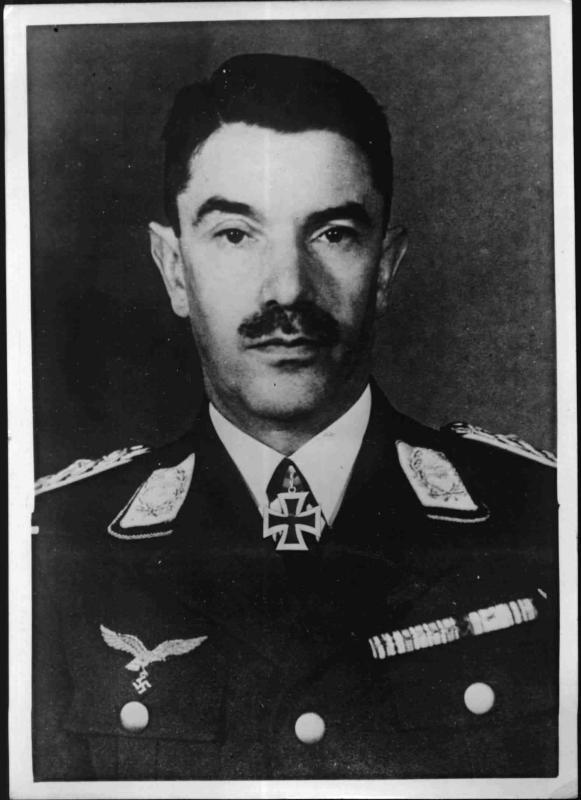 Generalleutnant Löhr
