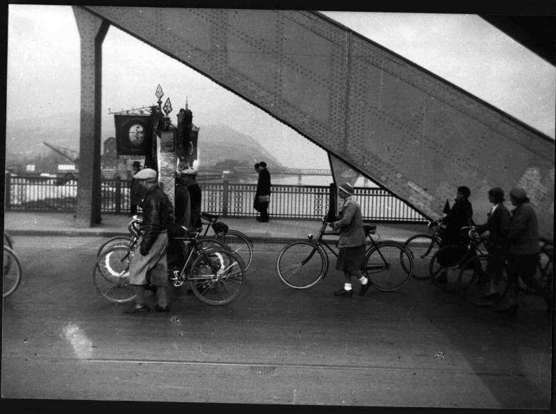 Aufmarsch auf der Floridsdorfer Brücke