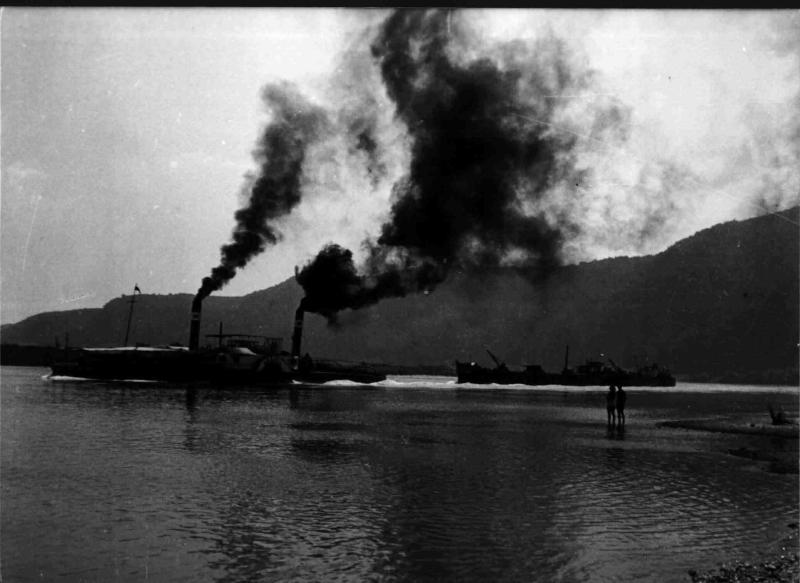 Dampfschiff auf der Donau