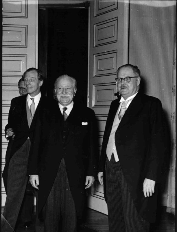 Der luxemburgische Regierungspräsident und Außenminister Joseph Pech bei Bundeskanzler Julisu Raab