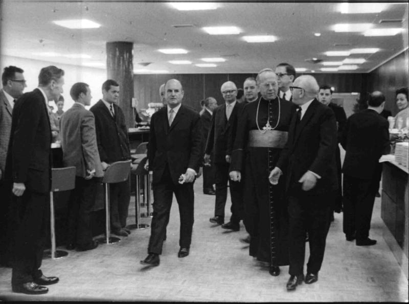 Bundeskanzler Klaus mit Kardinal König