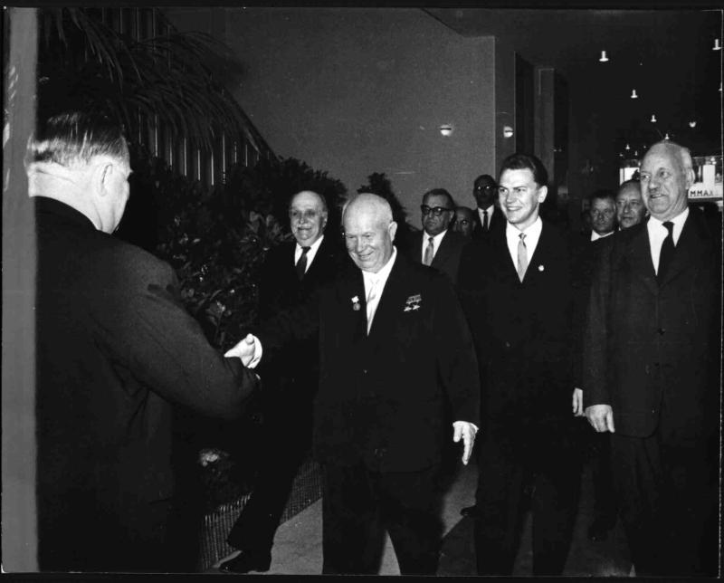 Bruno Pitermann und Nikita Chruschtschow treffen einander