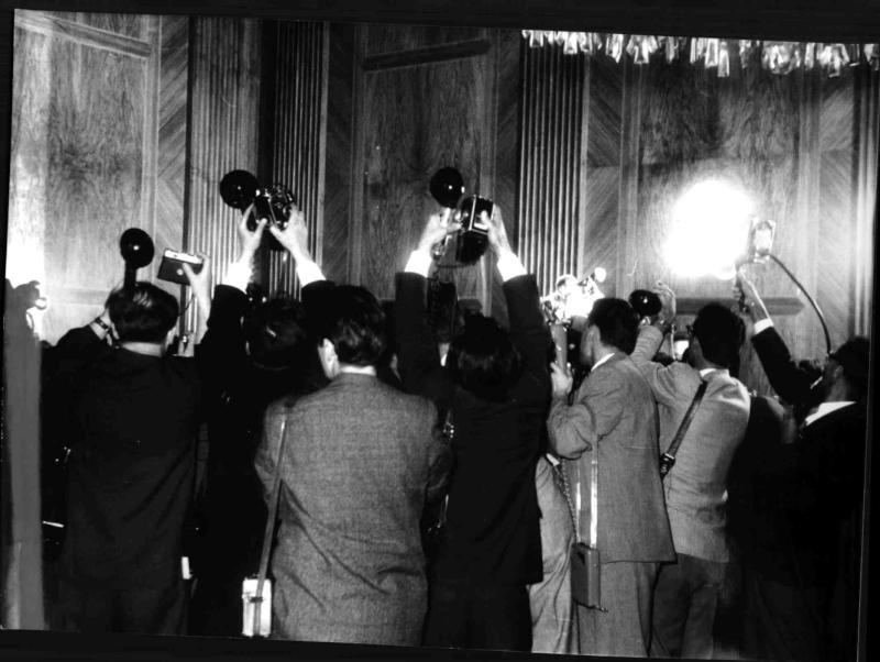 Blitzlichtgewitter bei Staatsbesuch von Nikita Chruschtschow