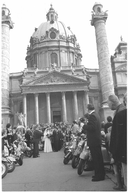 Hochzeit der Rollerfahrer