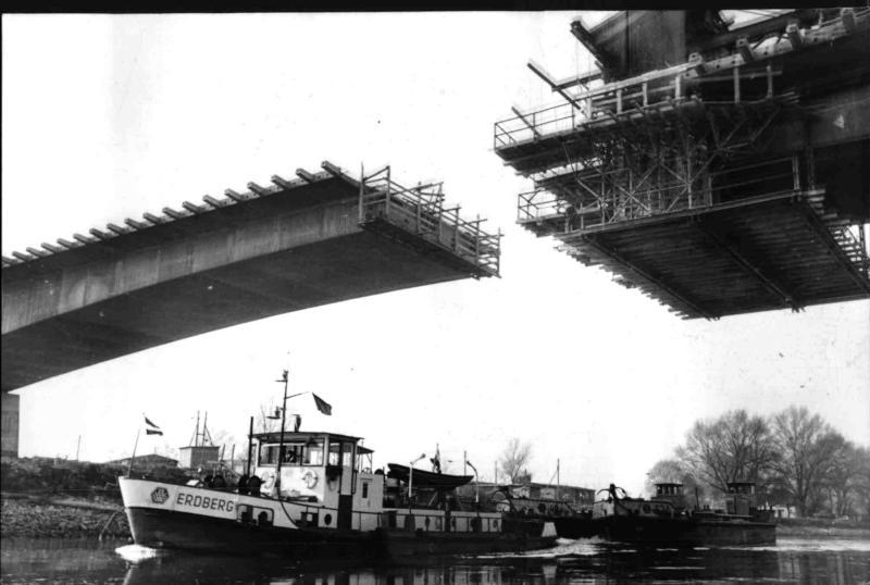 Bau der Brücke über den Donaukanal in der Freudenau