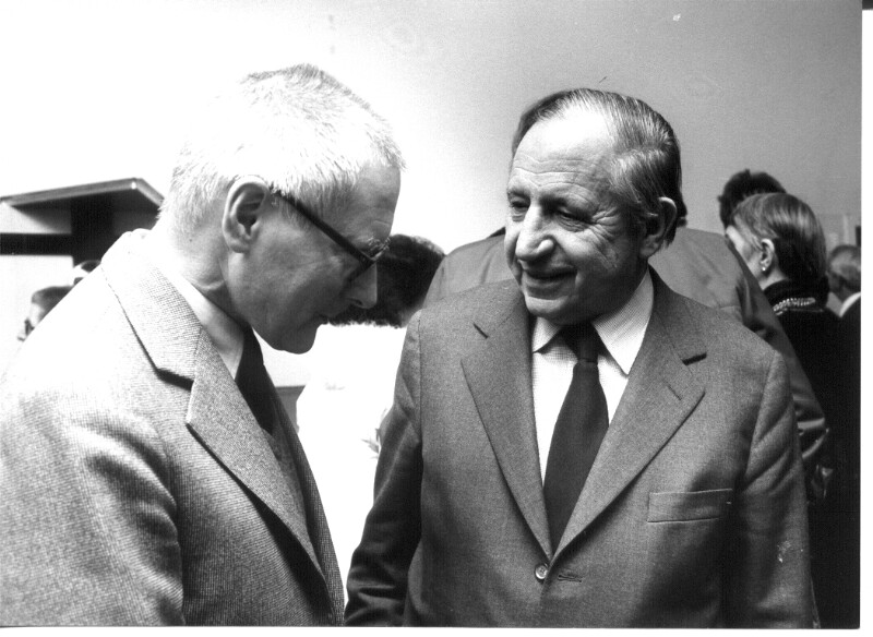 Der Architekt Roland Rainer und der Graphiker und Entwurfzeichner Josef Mikl