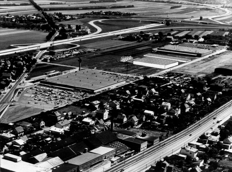 Luftaufnahme eines Großmarktes