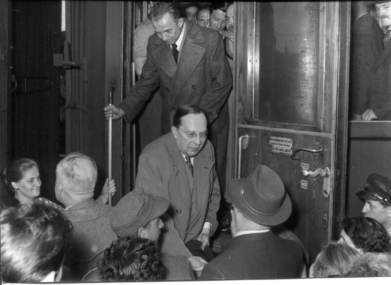 Ankunft von Rückkehrern aus der Tschechoslowakei