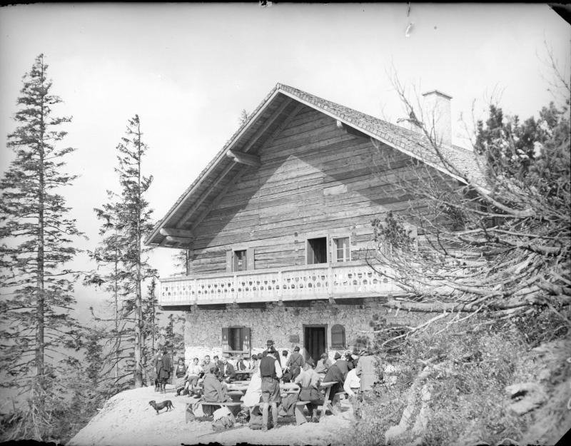 Werfener Hütte im Tennengebirge