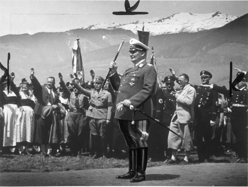 Hermann Göring nach dem Spatenstich für das Kraftwerk Kaprun