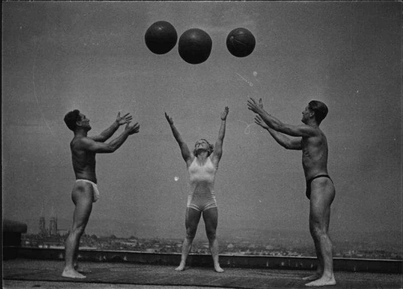 Gymnastik mit Medizinbällen