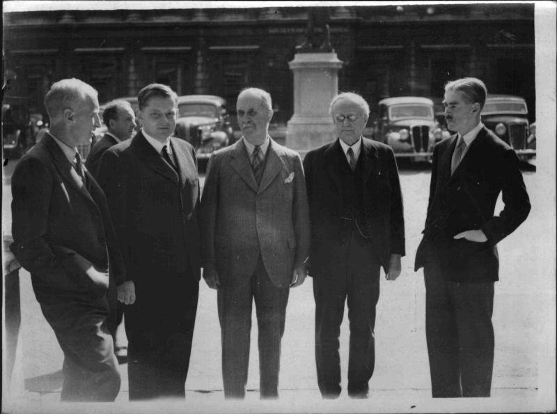 Deutsche Gelehrte treffen in London ein