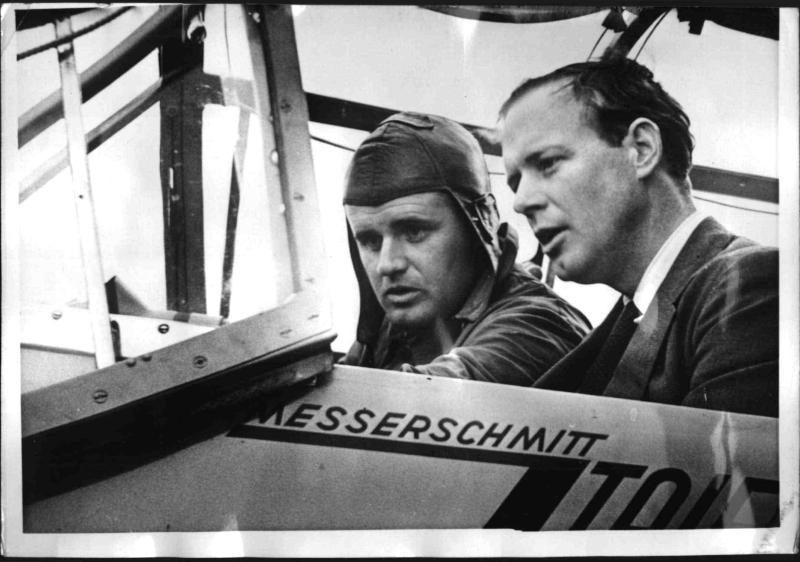 Charles Lindbergh besichtigt die Messerschmitt-Werke