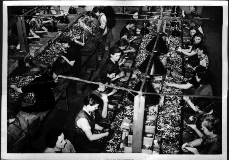 Frauen in der Rüstung