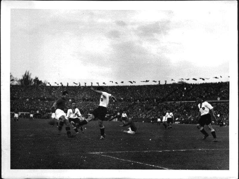 Fußball-Länderkampf Österreich - Deutschland 2:0