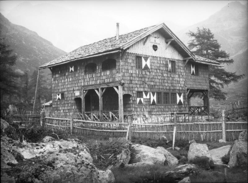 Außenansicht der Lienzer Hütte