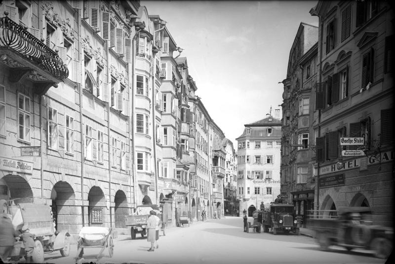 Innsbruck, Herzog-Friedrich-Straße