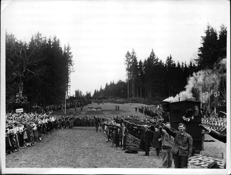 Der erste Spatenstich der Reichsautobahn in Österreich