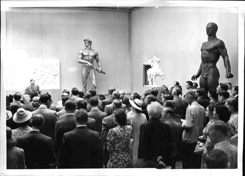 """Ausstellung im Künstlerhaus in Berlin """"Meisterwerke der Plastik"""""""