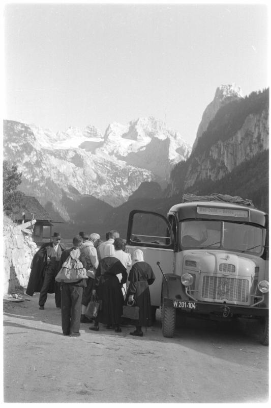 Postautobus, Einsteigstelle am Gosausee