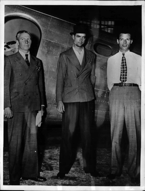 Weltflieger Howard Hughes in Europa