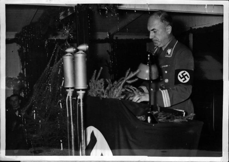 Generalinspektor Todt im Lager Borkheide