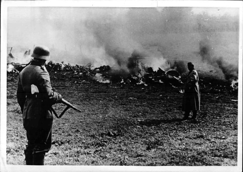 Abgeschossener französischer Bomber