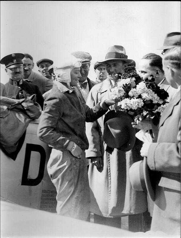 Ankunft der Fliegerin Elli Beinhorn in Wien