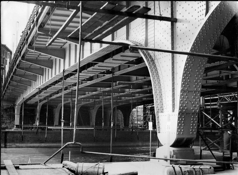 Belastungsprobe der neuen Augartenbrücke