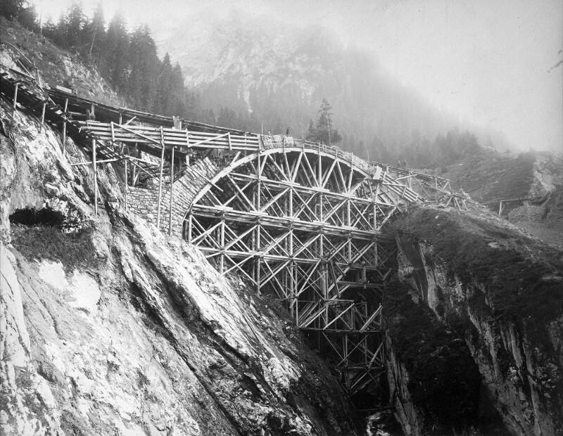 Wälditobelbrücke im Bau