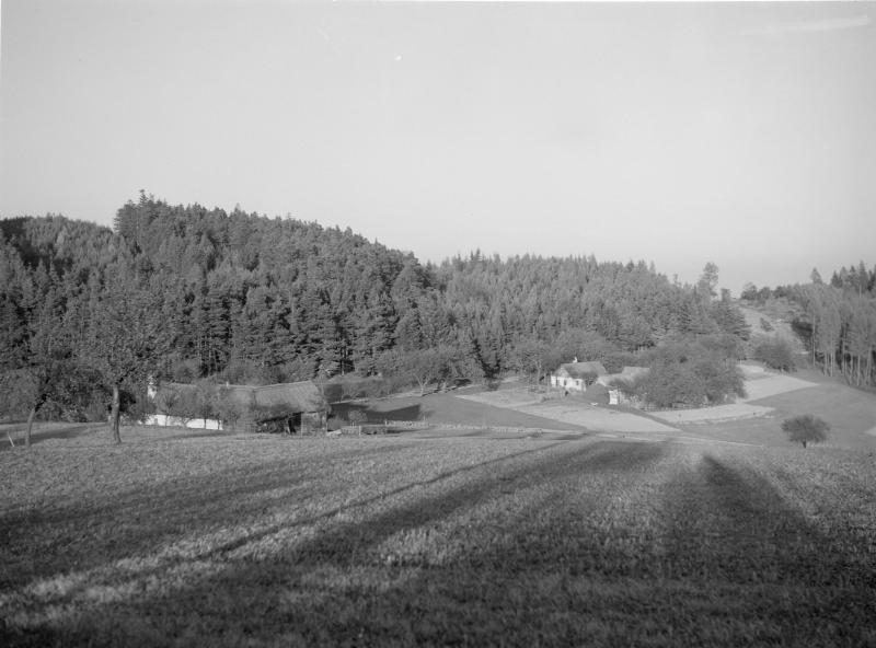 Bauernhöfe am am Fuß des Rosaliengebirges