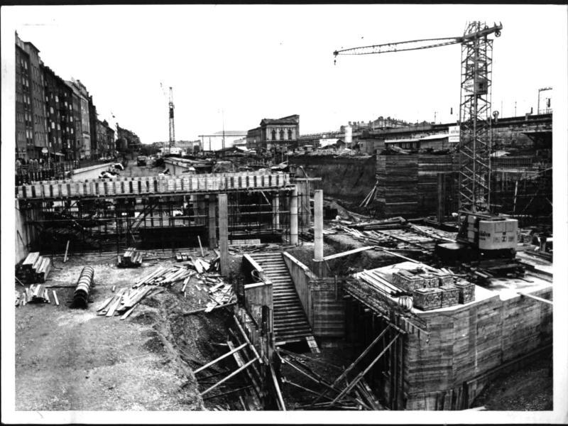 Baustelle am Südtiroler Platz