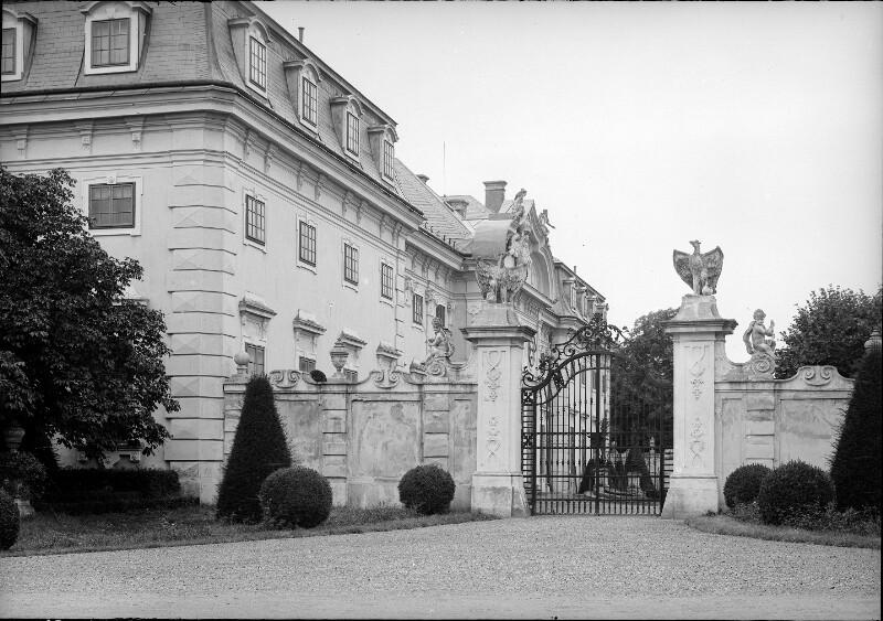 Jagdschloss Halbturn