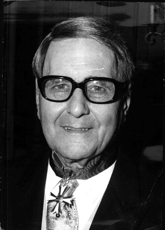Hans Swarowsky mit dem österreichischen Ehrenzeichen für Wissenschaft und Kunst, 16.9.1974©Bildarchiv Austria, ÖNB