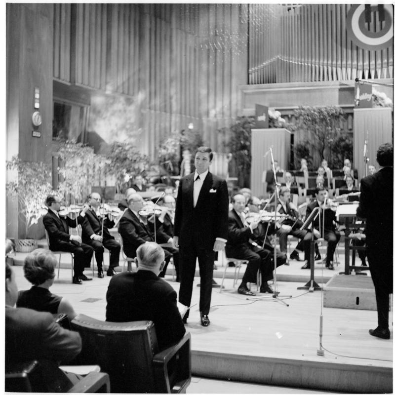 Heinz Holecek während einer Rundfunkproduktion 1967©Bildarchiv Austria, ÖNB