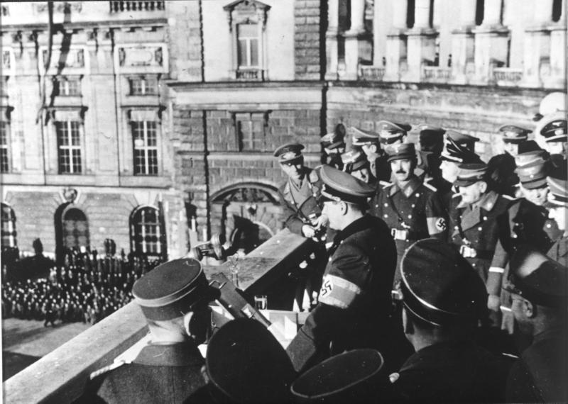 Ansprache von Baldur von Schirach auf dem Wiener Heldenplatz