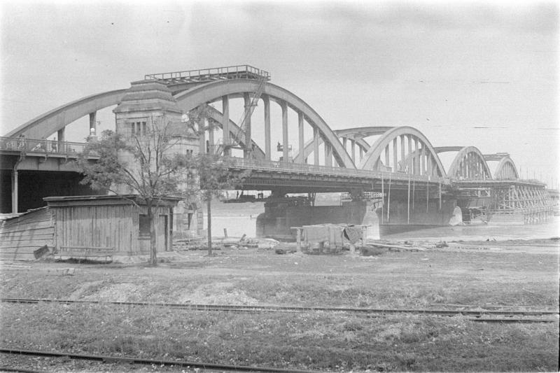 Brückeneröffnung, Straßenbauten 1937 Floridsdorferbrücke in Bau, tw. eingerüstet. Wien, öffentliche Bauten, Kirchen