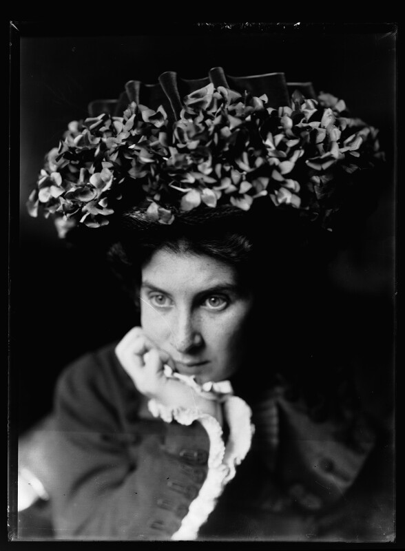 Bildnis Alice Schmutzer, geb. Schnabel (1884-1949)