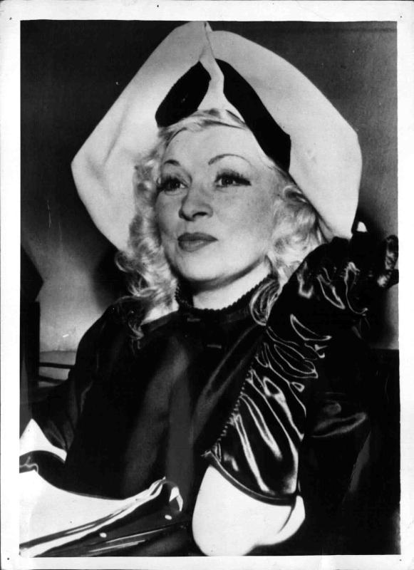 Mae West, amerikanische Film-Schauspielerin, Porträt