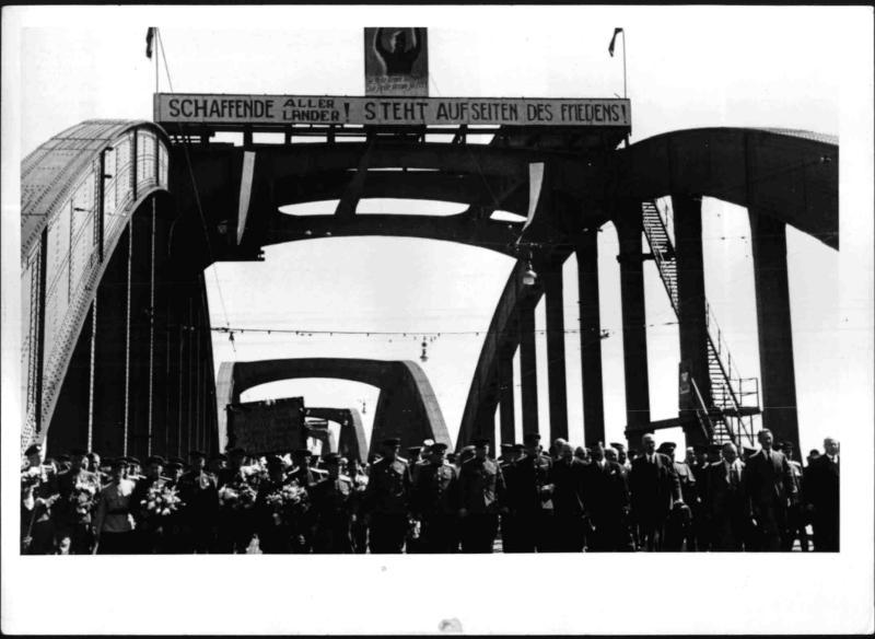 Eröffnung der Malinofsky-Brücke
