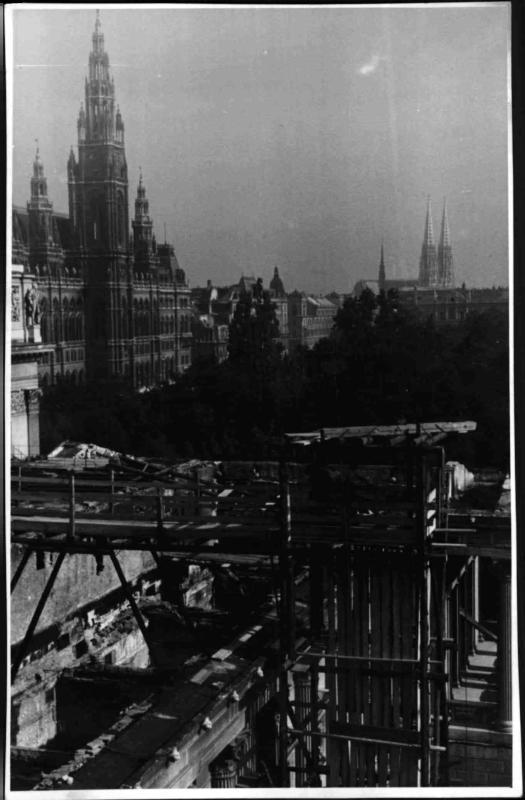 Aufbauarbeiten am Parlament