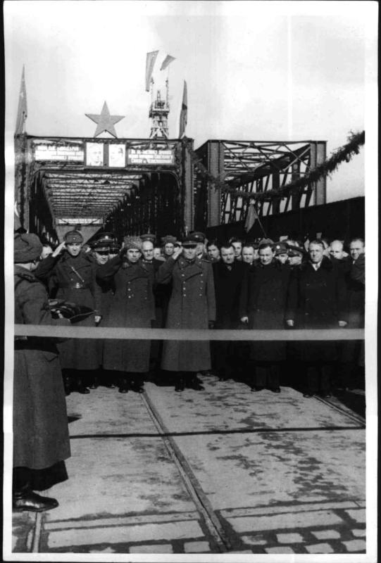 Eröffnung der Donaubrücke bei Preßburg