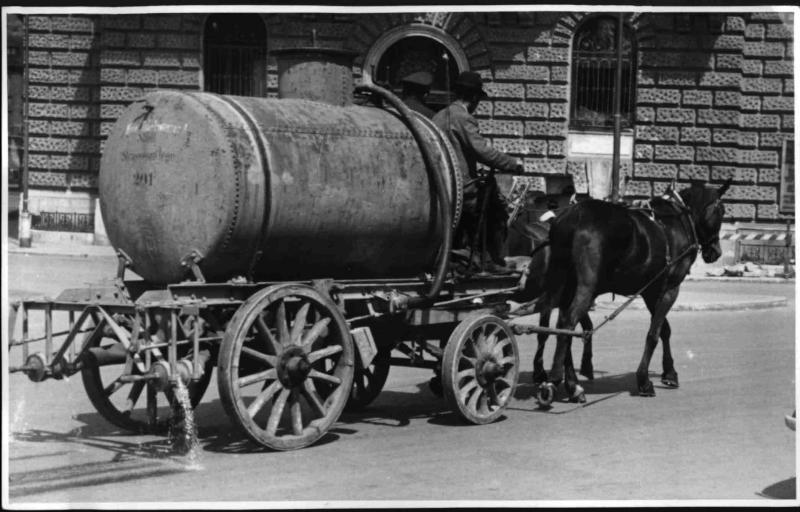 Altmodischer Spritzwagen