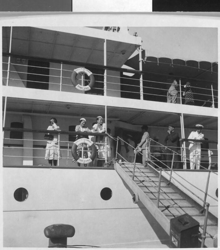 Passagiere an der Reling